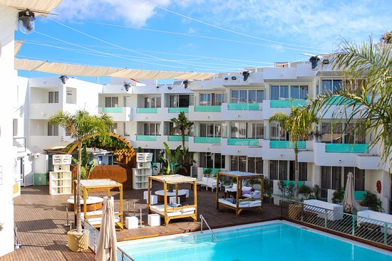 APARTAMENTOS BORA BORA Hotel (Playa d\'en Bossa, Spagna): Prezzi 2019 ...