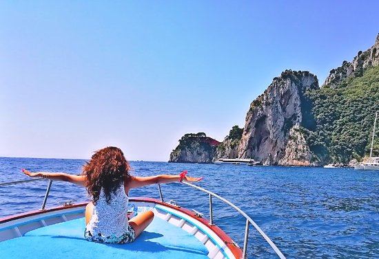 Island of Capri, Italy: Blue Lizard Capri Boat Tour