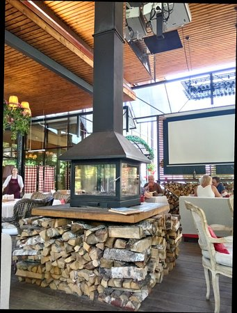 Veranda Restaurant Photo