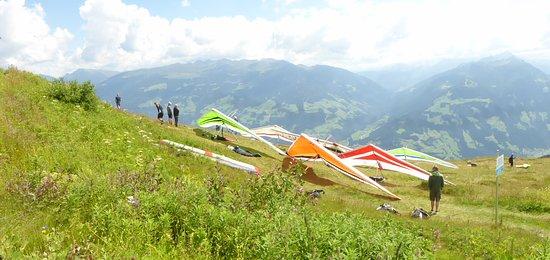 Hippach, Austria: deltavliegers