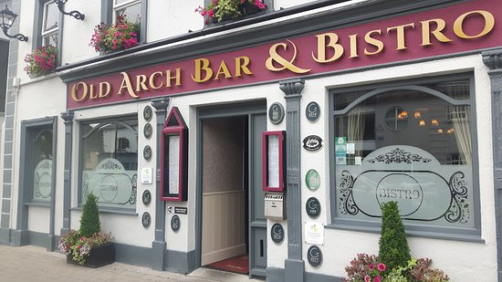 The Old Arch - Bar & Bistro: Poor Service and even worse customer engagement by manager....