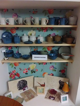 Cattistock, UK: Local pottery