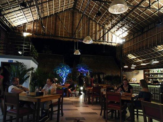Genevieve's Restaurant: Sala principale
