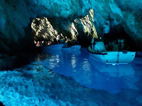 Bisevo, Croatia: Very interesting cave. Make sure to duck when entering!
