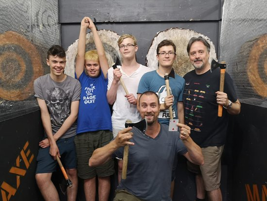 Post axe throwing training - the tournament - Picture of Axes
