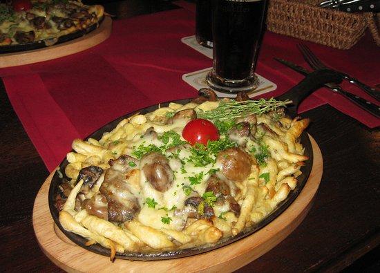 Zum Burgkeller: Spätzle mit Pilze und Käse