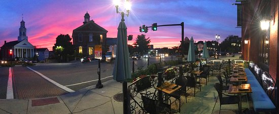 Elm Square Oyster Co.: Sunset view from outdoor patio