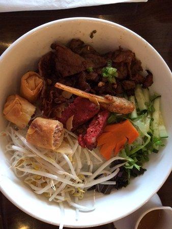 Gladstone, MO: Combination Rice Noodle bowl (Bun)