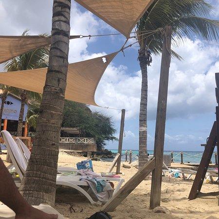Buena playa, buen servicio