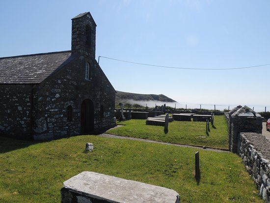 Llanfaelrhys, UK: Church