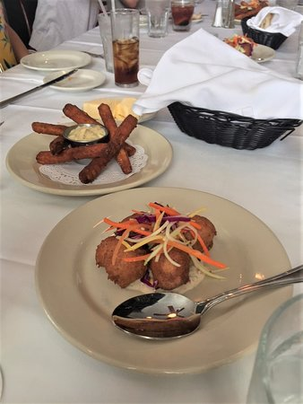 Clancy's Restaurant: Fried Eggplant sticks and Crab bread