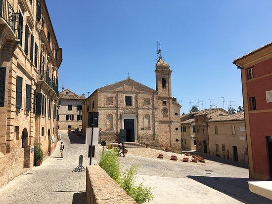 Piazza del sabato del villaggio