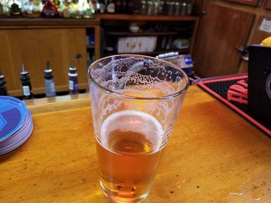 Crescent Lake, OR: Manley's Tavern