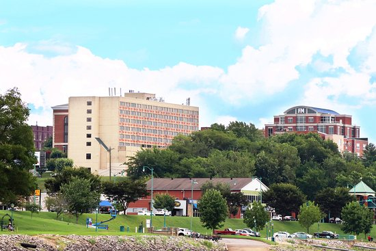 Riverview Inn: As viewed from the Cuymberland River