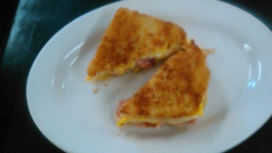 Sandusky, Мичиган: Grilled cheese and ham