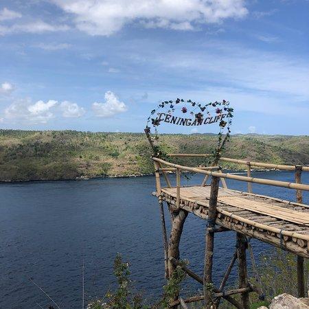 Ceningan Cliffs