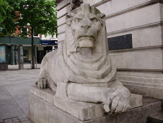 Nottingham Robin Hood Town Tour: the lions are in front of council office and in the dome is the most Beautifu sounding bell I ha