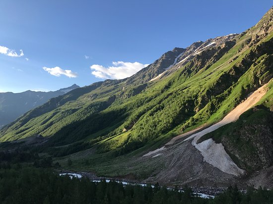 Elbrus, Rusia: View from room on 3rd floor