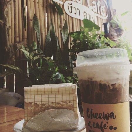 Cheewa COFFEE and CAKE