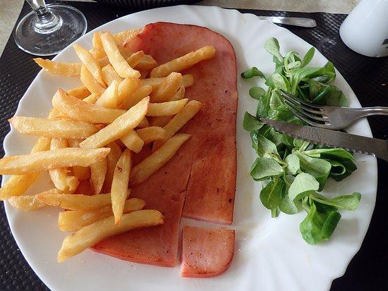Le Haut-Corlay, Frankreich: jambon frites