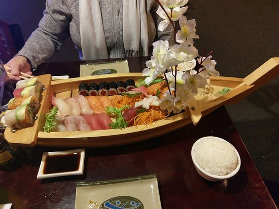 Adrian, MI: Sushi For Two