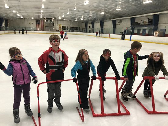 Evendale, OH: Birthday party at the rink