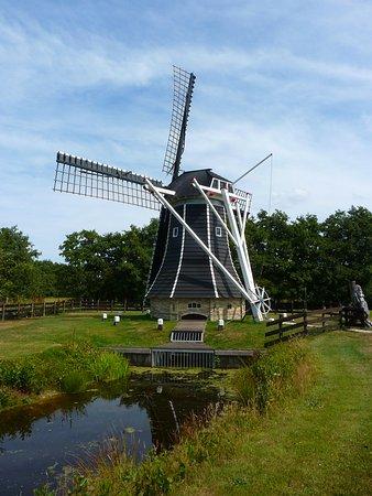 Damwoude, Nederland: molen de Zeemeermin