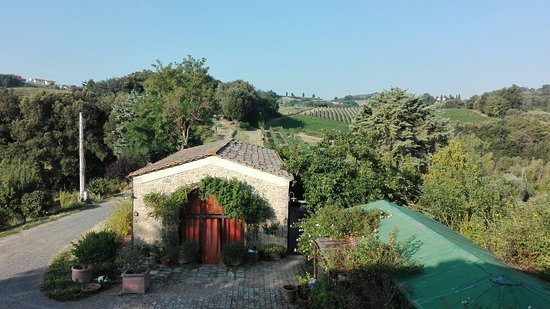 Castel San Gimignano, Italy: IMG_20180802_080853_large.jpg
