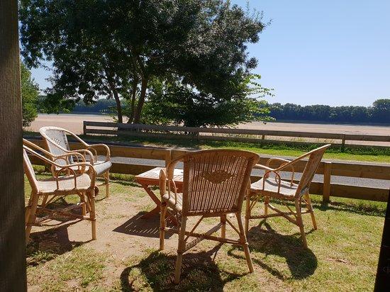 Behuard, France: La vue sur la Loire