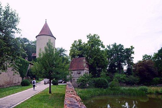 Der Faulturm: к башне