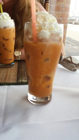 Lotus Moon Thai Cuisine: Thai iced tea