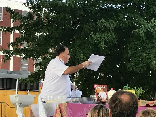 Atchison Farmers Market: Chef Jasper conducts a cooking demo.