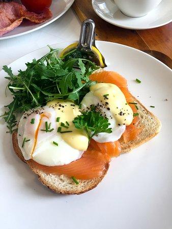 Eggs Benedict Royal.