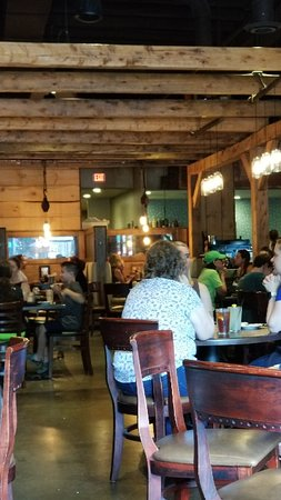Copperwood Tavern: 20180804_124652_large.jpg