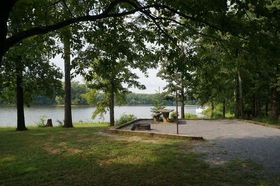 Dover, TN: Campsite in Piney Campground