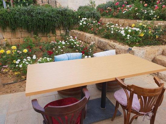 Bhamdoun, Lebanon: 20180804_181212_large.jpg