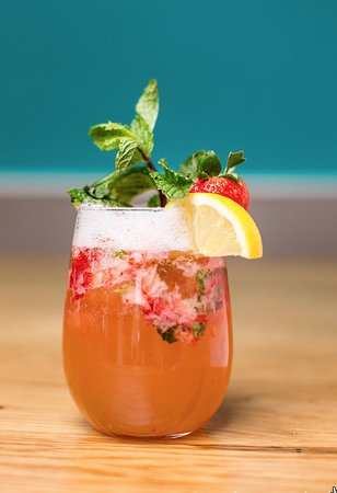 Strawberry mint prosecco