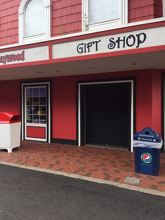 West Mifflin, PA: Closed