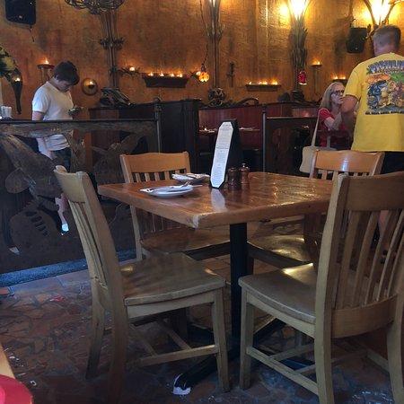 Peso's Kitchen & Lounge: photo3.jpg