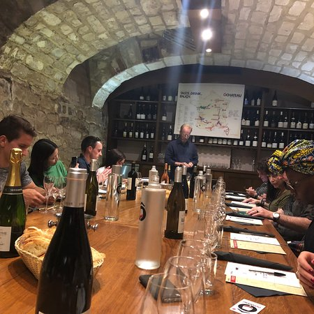 Paris French Wine Tasting in Elegant Bar with Lunch & Champagne Options – slika