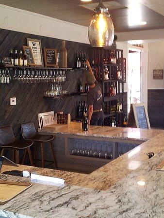 Orcutt, CA: Vinos bar