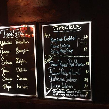 Captain's Tavern: photo0.jpg