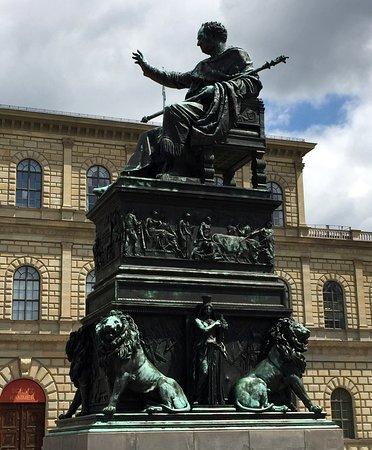 Konig Maximilian I Denkmal