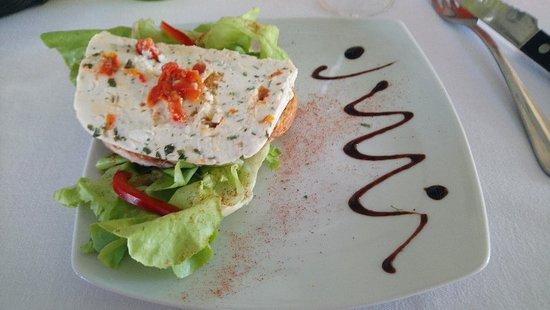 Damazan, France : Restaurant les Arcades