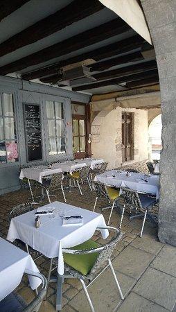Damazan, Frankreich: Restaurant les Arcades