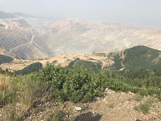 Bingham Canyon, Юта: Haze due to California Forrest fires- view is from parking area at the top.