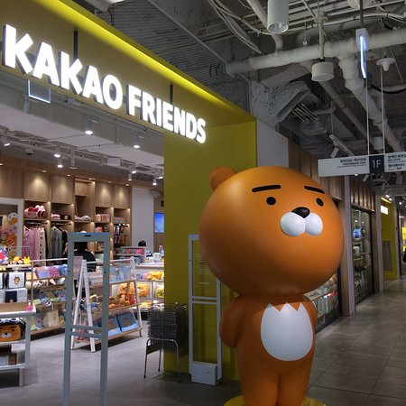 KAKAO Friends Store - Lotte Young Plaza Myeongdong