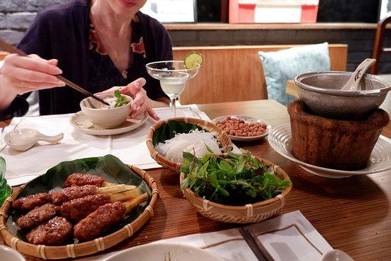 Cau Go Vietnamese Cuisine Restaurant: ベトナム料理