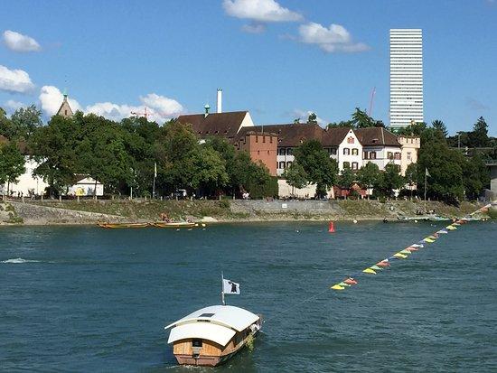 Rheinfähre: Basler Fähri