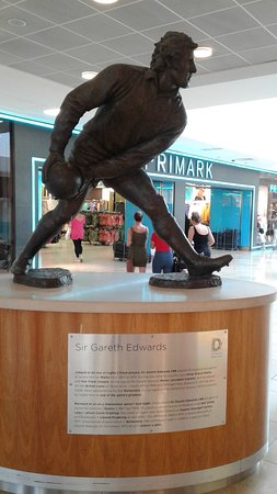 Statue of Sir Gareth Edwards